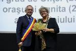 Cetăţean de onoare Cluj 2017 _ http://irinapetras.ro/Poze/carti/Cu_primarul.jpg