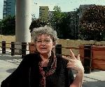 Irina Petraş perorând _ http://irinapetras.ro/Poze/carti/Irina_Petras_perorand.jpg